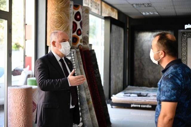 Bir dizi temas ve incelemelerde bulunmak üzere Afşin ve Elbistan'ı ziyaret eden Vali Ömer Faruk Coşkun, iki ilçede de esnafları ziyaret etti.