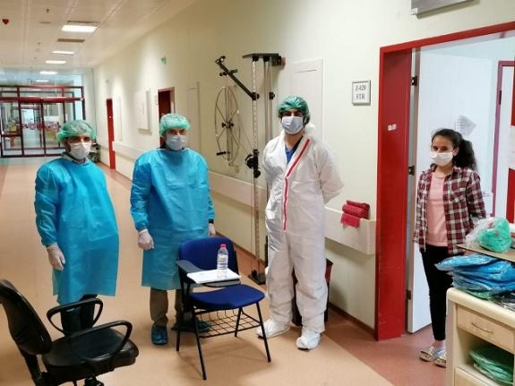 KSÜ'de covid hastalarının eğitimleri ihmal edilmiyor