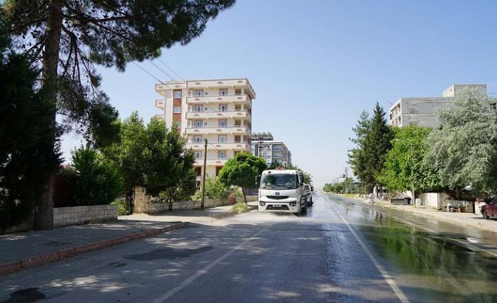Türkoğlu'nun Ana Caddelerinde Temizlik Çalışmaları Başladı