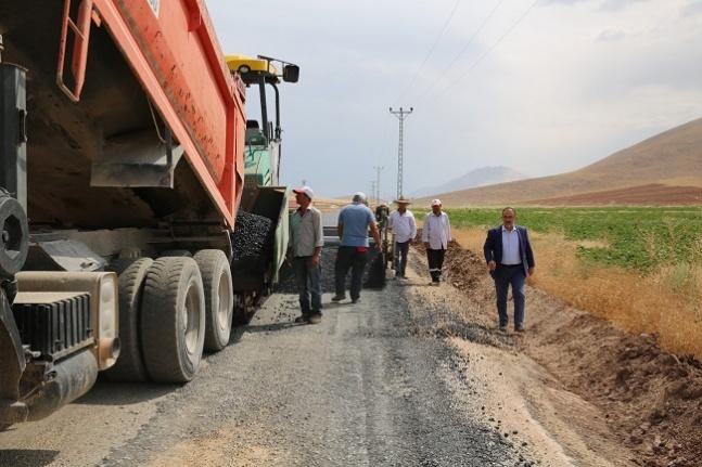 Afşin'de yol çalışmaları devam ediyor
