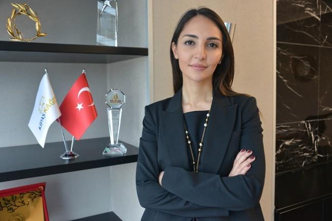 Sinem Öksüz Dedebayraktar Türkiye'nin en güçlü CEO ve kadınları arasında