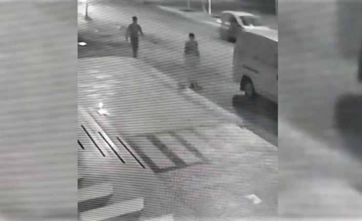 Yolda yürüyen genç kızı taciz eden şüpheli yakalandı