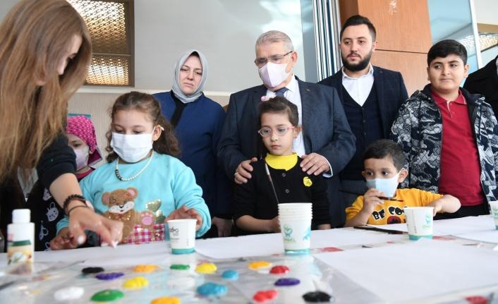 Başkan Mahçiçek, Lösemili Çocuklar Haftasını Unutmadı