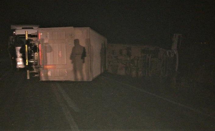 Kahramanmaraş'ta feci kaza tır 2 otomobili biçti: 4 yaralı
