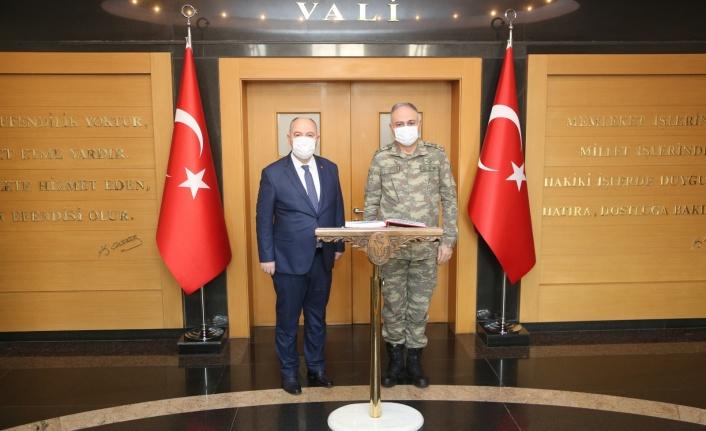 2. Ordu Komutanı Orgeneral Metin Gürak Valiliği Ziyaret Etti