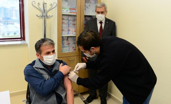 KSÜ Tıp Fakültesi Hastanesinde COVİD-19 Aşısı Yapılmaya Başlandı