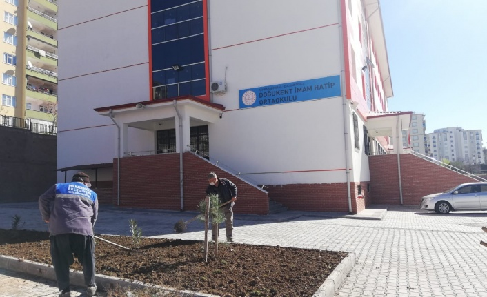Dulkadiroğlu'ndan Okullara Çevre Düzenlemesi