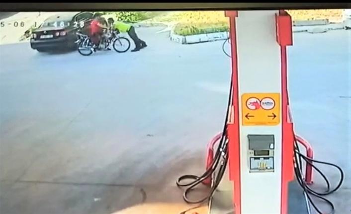 Hatay'da Dur İhtarına Uymayan Motosiklet Sürücüsü Polise Çarptı