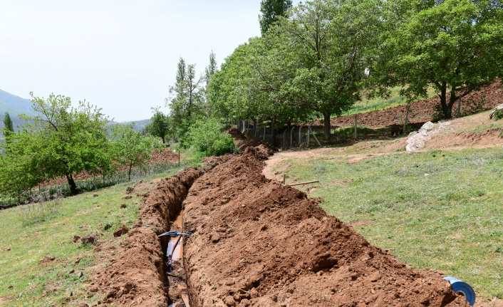 Muratçakıroğlu Mahallesinde İçme Suyu Çalışmaları Devam Ediyor