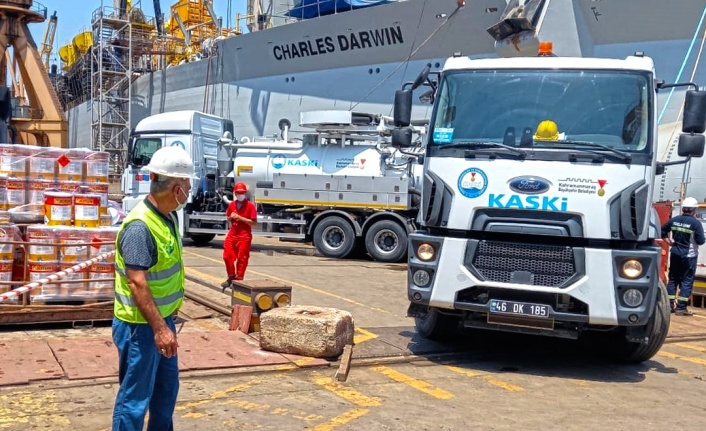 Kahramanmaraş Büyükşehir Belediyesi'nden Müsilaj temizliğine destek