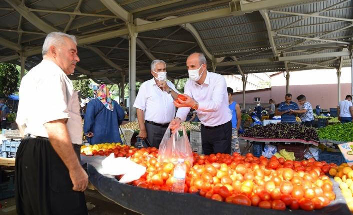Başkan Okay pazar esnafıyla bir araya geldi