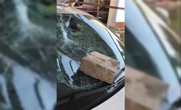 Kahramanmaraş'ta 112 acil servisine taşlı saldırı
