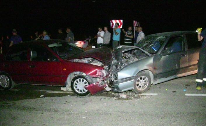 Kahramanmaraş'ta iki otomobil kafa kafaya çarpıştı: 6 yaralı