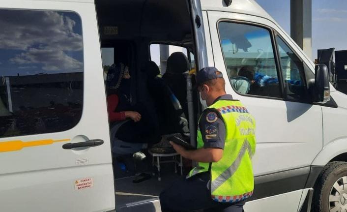 Kahramanmaraş'ta Jandarmadan Yolcu Servislerine Sıkı Denetim