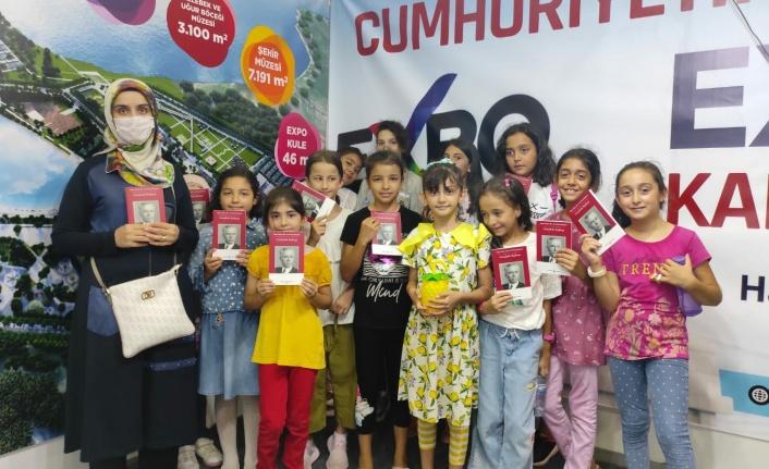 Onikişubat'ta kurs öğrencilerine hediyeler verildi