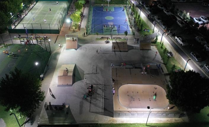 Yenilenen Kaykay Parkı Gençlerden Tam Not Aldı