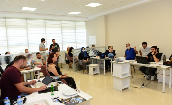 Kahramanmaraş Teknokent'in Koordinatörlüğünü Yaptığı Education 4.0 for Youth Projesinin Açılış Toplantısı Gerçekleştirildi