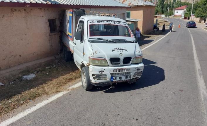 Kahramanmaraş'ta kamyonete 20 kişi bindi faciadan dönüldü