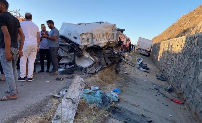 Kahramanmaraş'ta zincirleme kaza: 1 ağır 4 yaralı