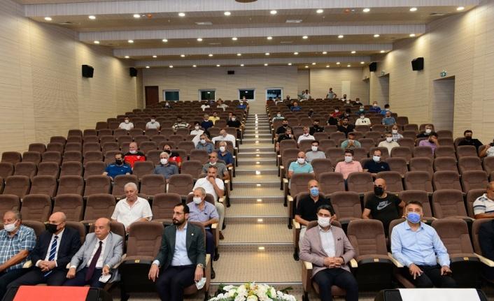 KSÜ ve TÜFAD Kahramanmaraş Şubesi İşbirliğiyle Futbol Antrenörlerine Yönelik Gelişim Semineri Düzenlendi