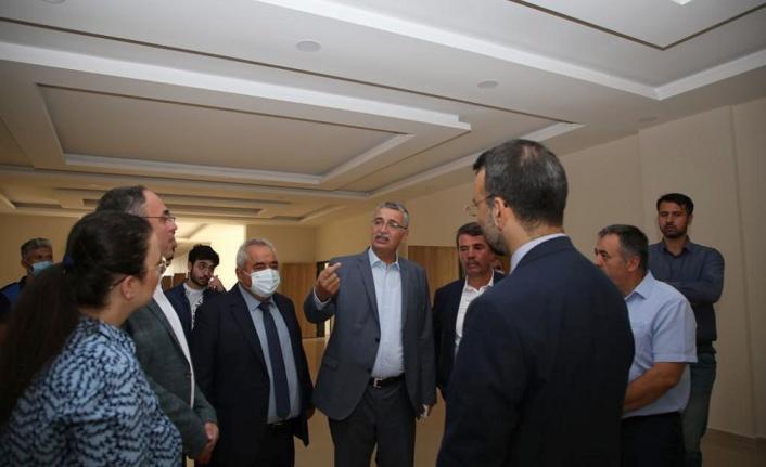 TBMM İçişleri Komisyonu Başkanı Güvenç, İstiklal Üniversitesi Türkoğlu Yerleşkesini Ziyaret Etti