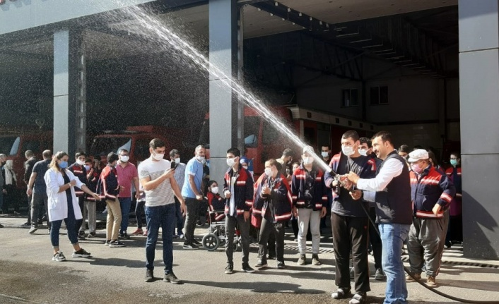 Büyükşehir İtfaiyesi En Özel Misafirlerini Ağırladı