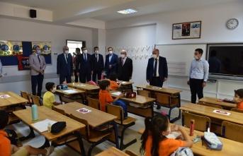 Kahramanmaraş'ta öğrencilere ders zili çaldı