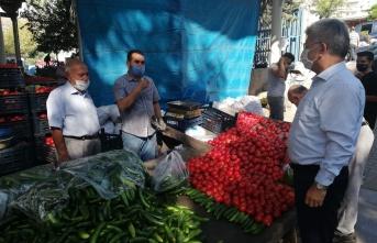 Milletvekili Aycan, pazar esnafının sorunlarını dinledi