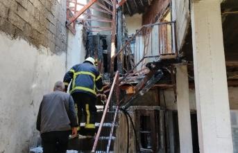 Kahramanmaraş'ta ahşap evde yangın