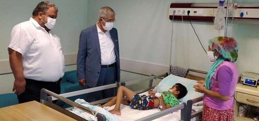 RektörCan, Tıp Fakültesi Hastanesine Bayram Ziyareti Gerçekleştirdi