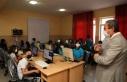İstiklal Üniversitesi, Erkenez Ortaokulu'na Bilgisayar...