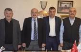 Başkan Uyduran ve Yardımcısı Ayvacı Türkiye Kasaplar Odası Konfederasyon Başkanı Yalçındağ'ı ziyaret etti