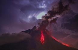 Endonezya'da yanardağ tehlikesi