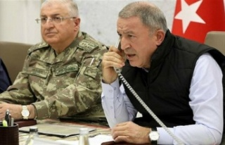 Bakan Akar'dan Yunanistan'a diyalog çağrısı