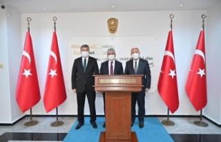 Vali Coşkun, Osmaniye Valisi Erdinç Yılmaz'ı...