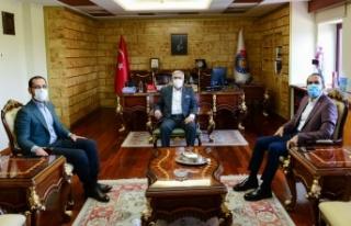 Ahmet Özdemir ve Cihat Sezal Rektör Can'ı ziyaret...