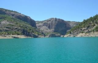 Doğal güzelliğiyle Menzelet Barajı cazibe merkezi...