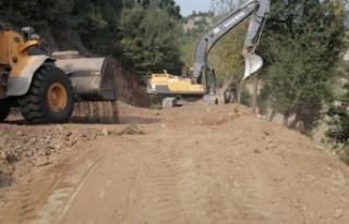 Bulgurkaya-Karahamzalı Yolu Genişliyor