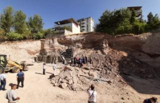 Kahramanmaraş'ta inşaat alanında göçük: 2...