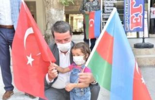 Türkoğlu'nda, Azerbaycan ve Türk Bayrağı...