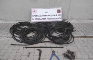 Kablo hırsızlıları trafik kazasında yakayı ele...