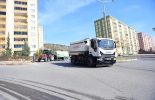 Dulkadiroğlu'ndan Hafta Sonu Temizlik Çalışmaları
