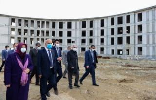 Milletvekili Kılıç, KSÜ Avşar Yerleşkesinde...