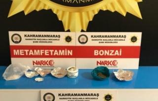 Uyuşturucu pazarlığına polis baskını:3 tutuklama