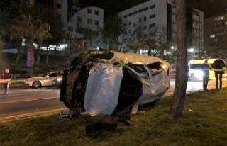 Kahramanmaraş'ta kavşakta çarpışan iki otomobil...