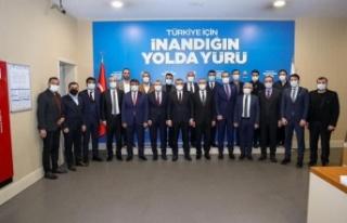 AK Partili Mahir Ünal ve Türk İslam Karakoç'a...
