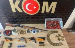 Kahramanmaraş'ta 27 adet ruhsatsız silaha el konuldu
