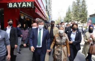 """Ahmet Davutoğlu, """"Ne kadar Konyalıysam o kadar..."""