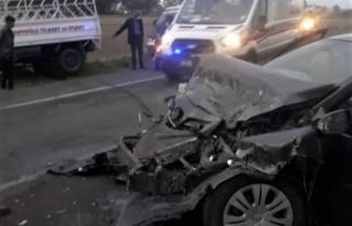 Kahramanmaraş'ta otomobil ile kamyonet çarpıştı:...