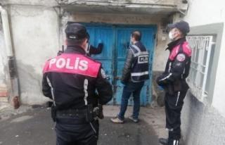 Kahramanmaraş'ta uyuşturucu satıcısı 4 kişi...